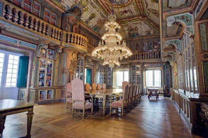 Entre as bibliotecas mais bonitas do mundo há três portuguesas