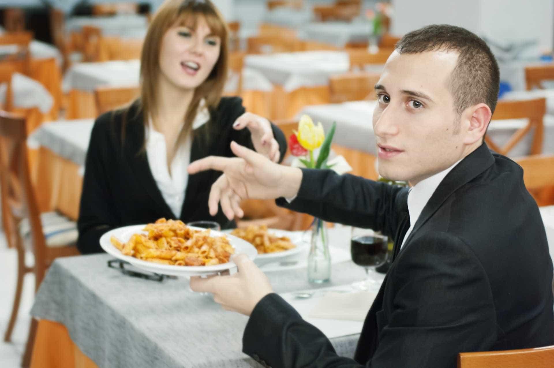 Truques para manipular clientes nos restaurantes -