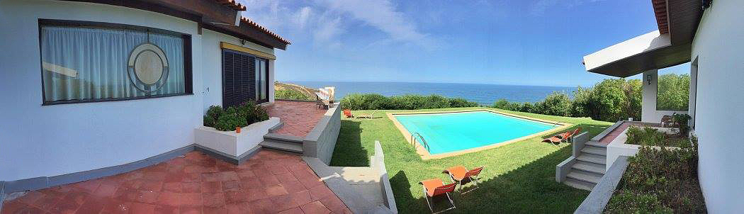 Sabia que pode passar férias na casa de praia de Amália Rodrigues?