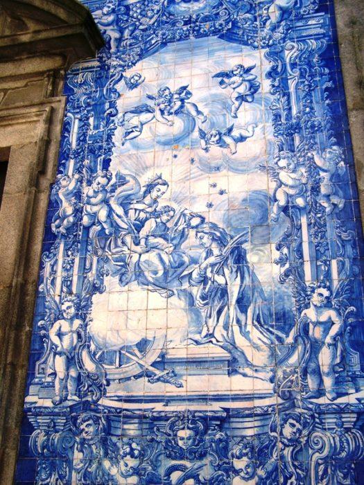 A preciosa Capela das Almas, no Porto