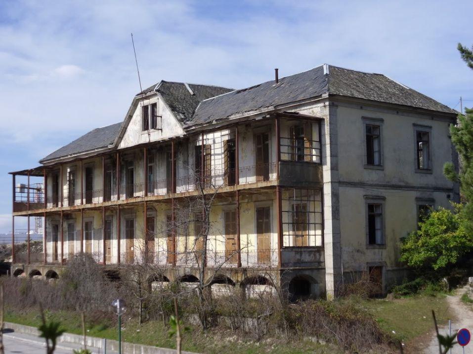 Quem foram as pessoas que dão o nome a Hospitais Portugueses?