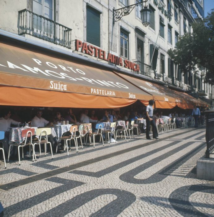 Um passeio extraordinário pelas antigas esplanadas de Lisboa
