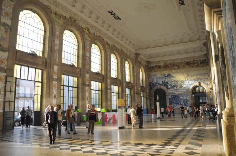 Porto: o Fantasma da Estação de São Bento