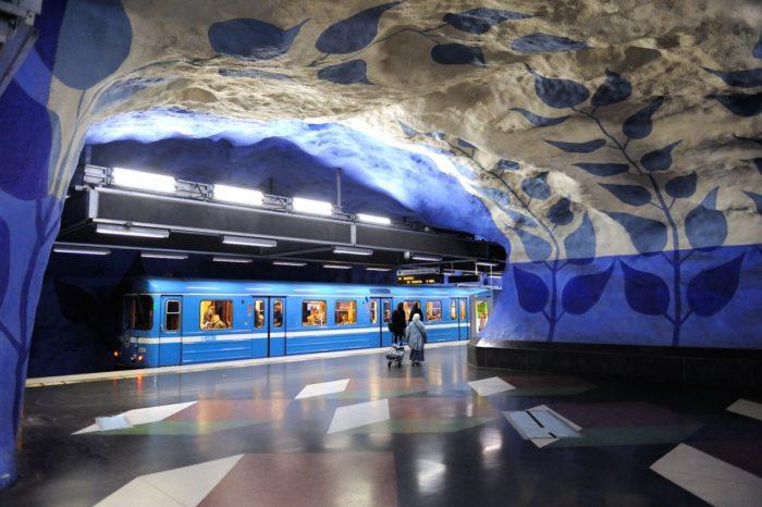 07 Estação T-Centralen, Estocolmo, Suécia - © T-centralen station - Wikimedia Commons