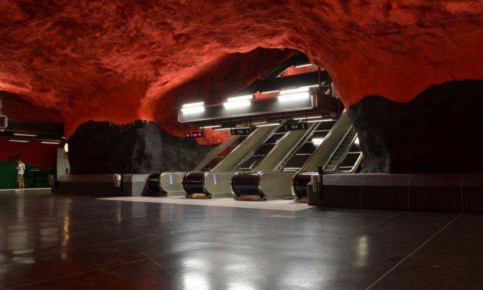 10 Estação de Solna, Estocolmo, Suécia - © Wikimedia Commons