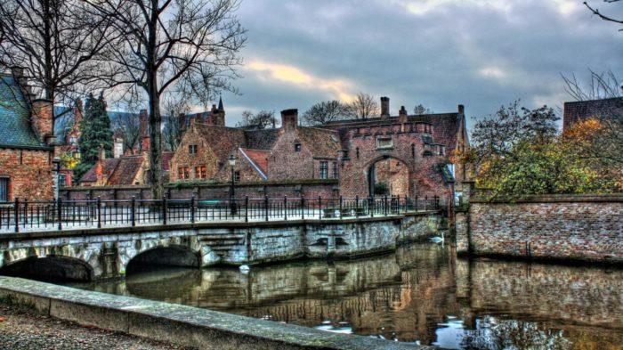 Bruges - 30 Lugares Famosos do Mundo