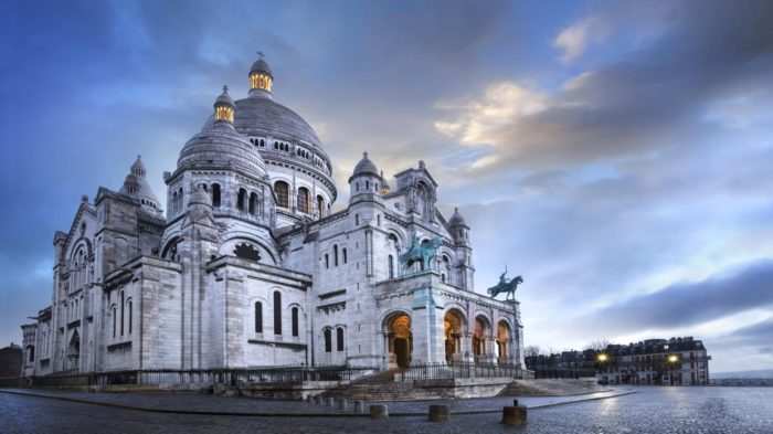 Basílica do Sagrado Coração - 30 Lugares Famosos do Mundo