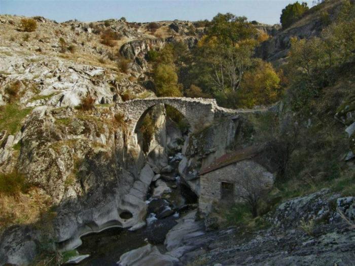 Ponte Vila Zovic, Mariovo, Macedônia