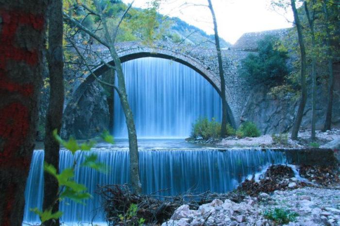 Ponte de Palaiokaria, Grécia