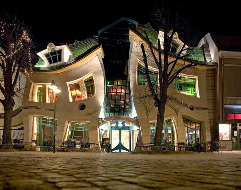 Casa torcida, Sopot