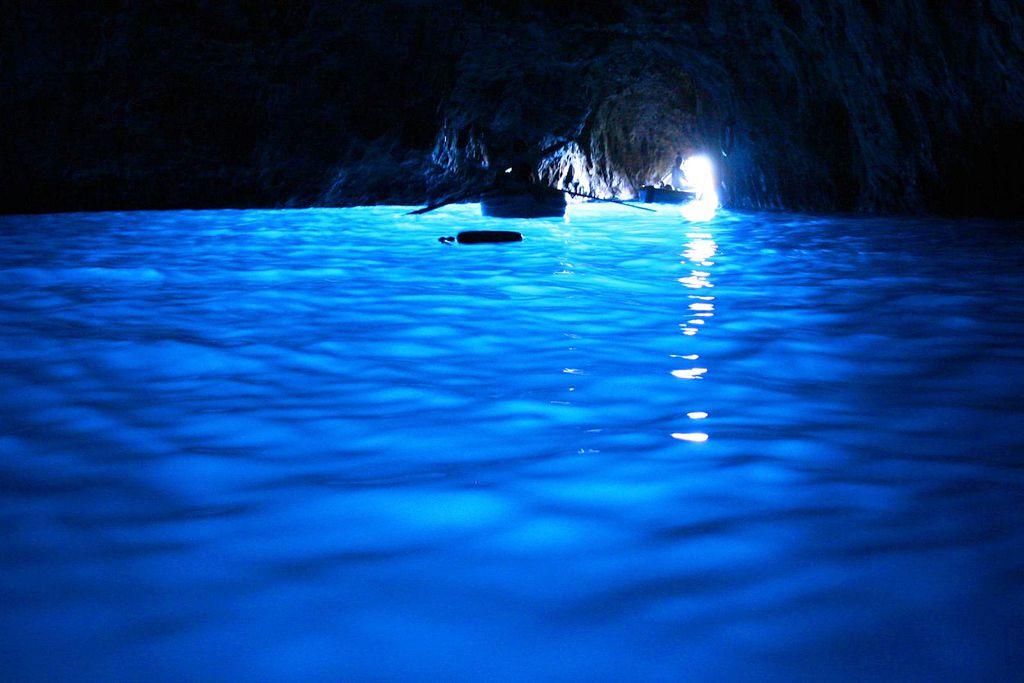 Gruta azul de Capri, Itália