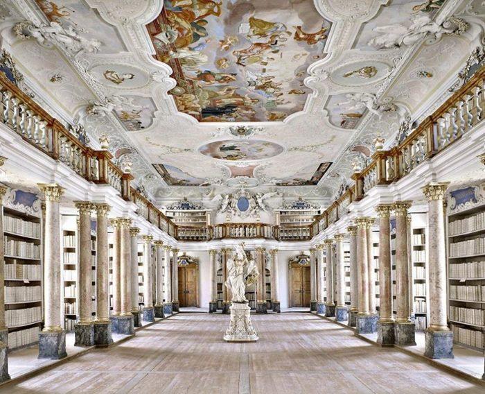 Biblioteca da Abadia de Ottobeuren, na Alemanha
