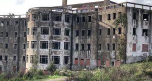 edifícios assustadores