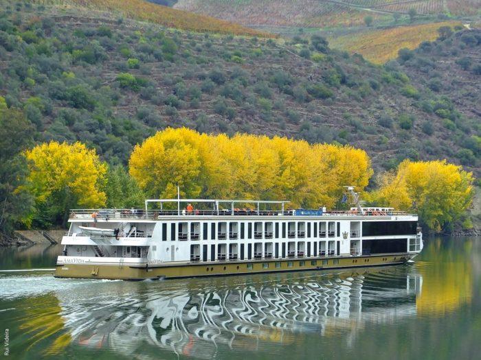 5 destinos maravilhosos para passeios de barco e cruzeiros em Portugal