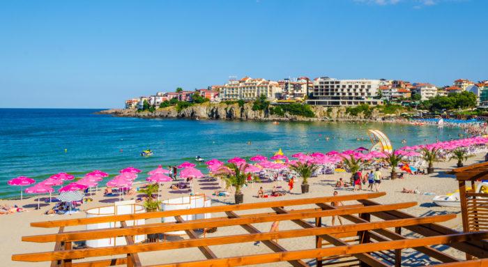 10 improváveis destinos com praias magníficas para viajar este verão