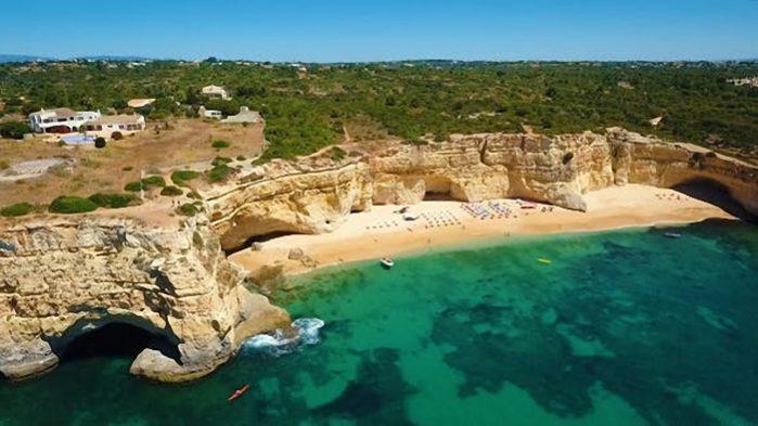 Uma das melhores praias do mundo é portuguesa, segundo a CNN