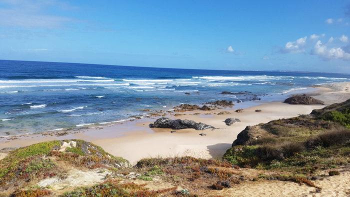 As 10 praias de nudismo portuguesas, segundo o El País