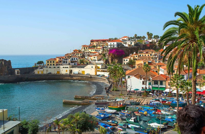 Um dos 8 destinos para amantes de praia e montanha é português - Foto: Bengt Nyman