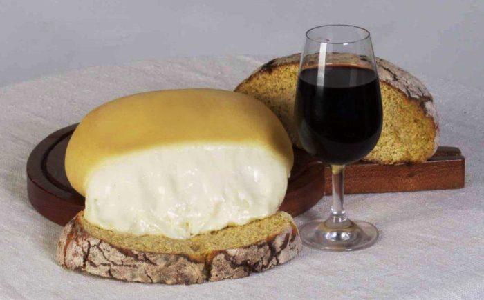 Queijo da Serra, um dos melhores queijos do mundo é português