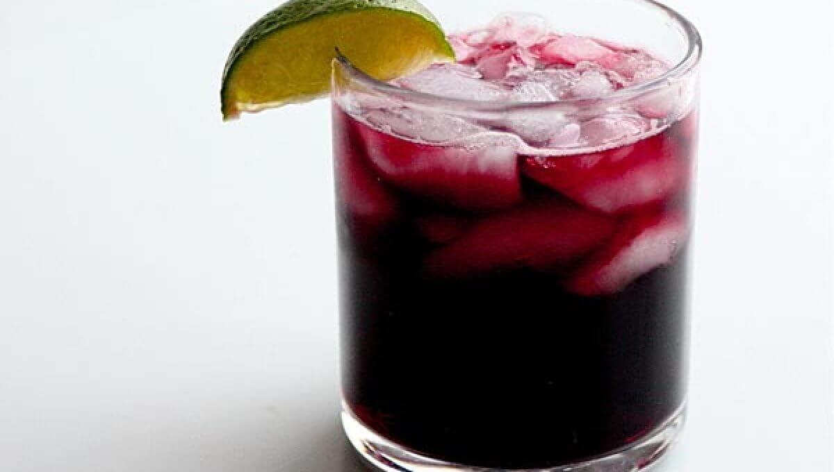 Calimocho, a mistura (mais) improvável de Vinho Tinto e... Coca-Cola