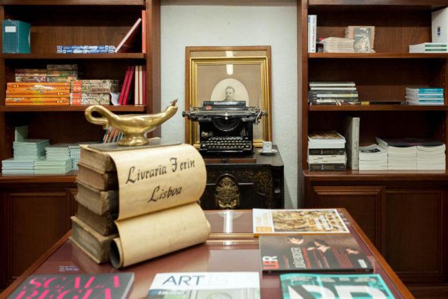 Antigas e encantadoras Livrarias, Papelarias e Tabacarias de Lisboa