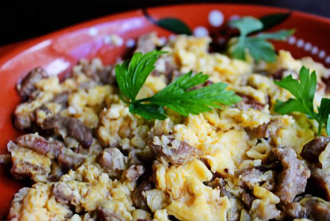 receitas rápidas e fáceis de ovos mexidos