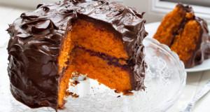 bolo de laranja com cobertura de chocolate