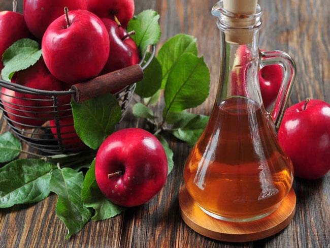 O que acontece se beber uma colher de sopa de vinagre de maçã por dia?
