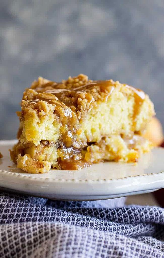 bolo de maçã e caramelo
