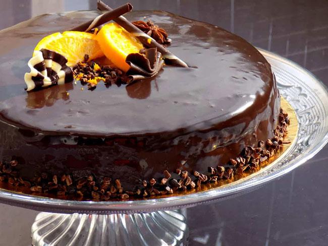 bolo de laranja com coberturas
