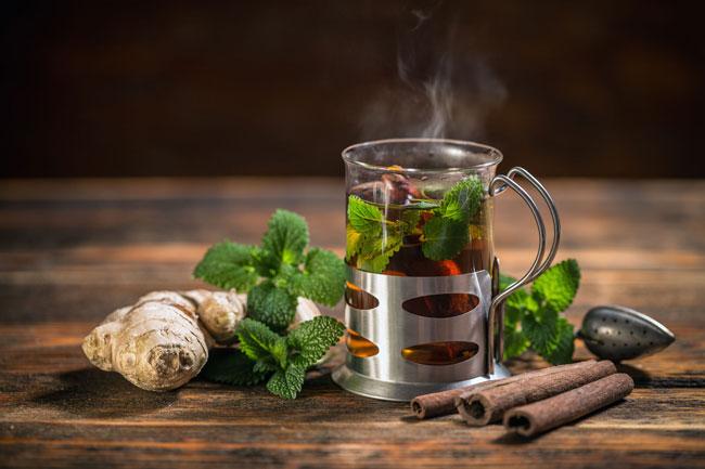 Chá de hortelã com gengibre