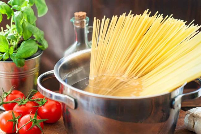 Aprenda a cozinhar massa: evite estes 5 erros