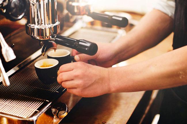 quantos cafés pode tomar