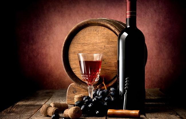 8 razões para beber vinho tinto