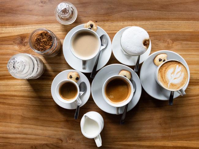 beber muito café