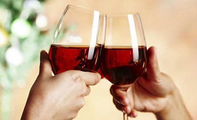 30 razões para beber vinho tinto