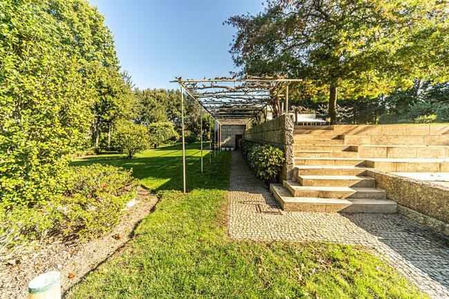Gerês há casas a valer milhões à venda