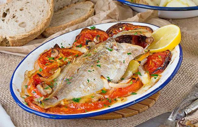 fazer o peixe assado