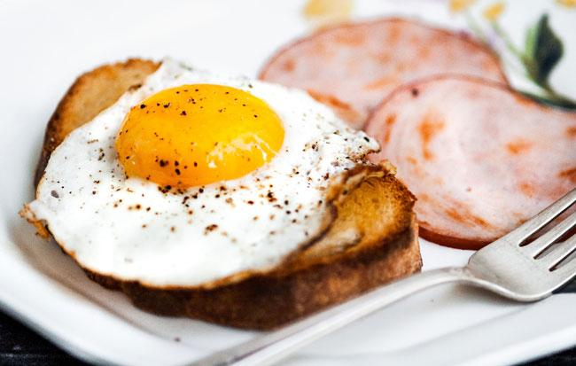comer um ovo diariamente
