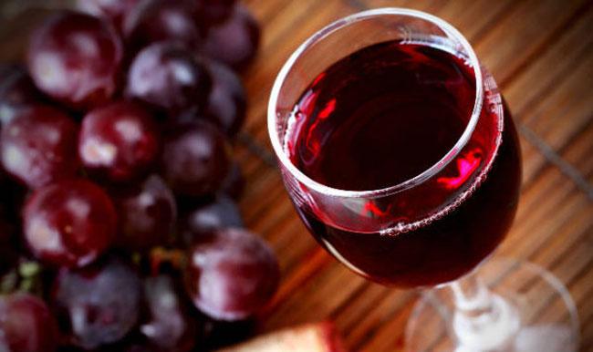 beber vinho tinto com tensão alta