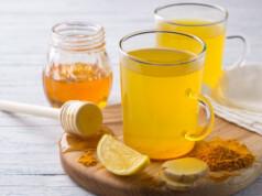 beber Água com Limão e Açafrão
