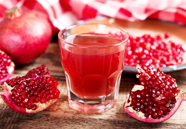 Alimentação saudável: 7 razões para beber sumo de romã
