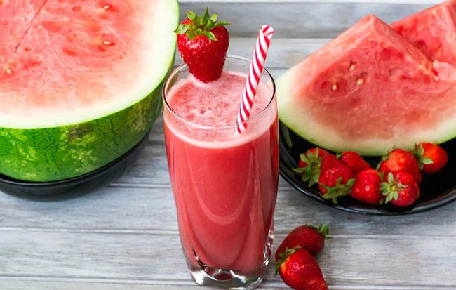 4 das melhores receitas com melancia para o verão
