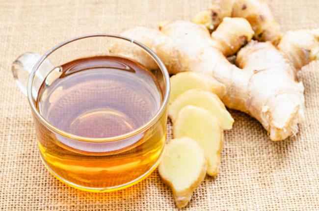 Chá de gengibre e curcuma