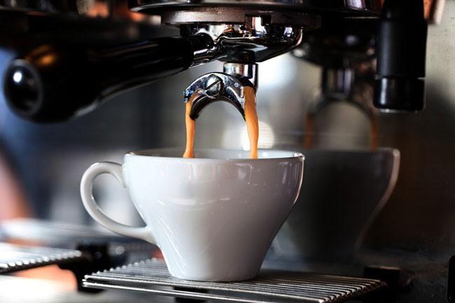 Quantos cafés deve beber por dia