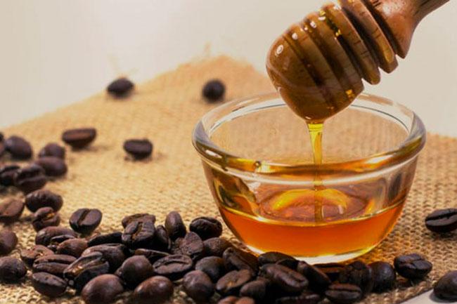 juntar mel ao seu café