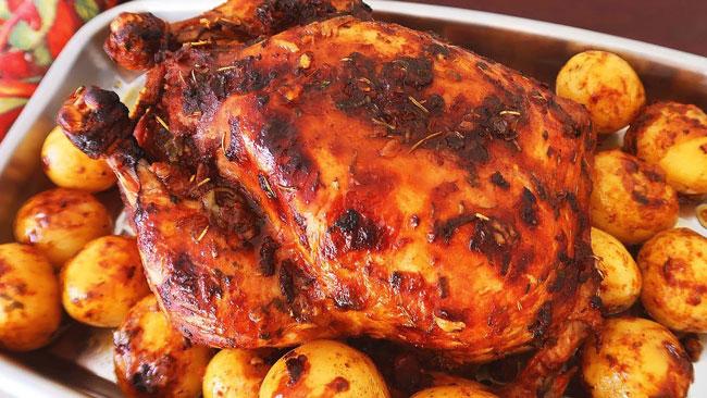 Como fazer frango assado suculento