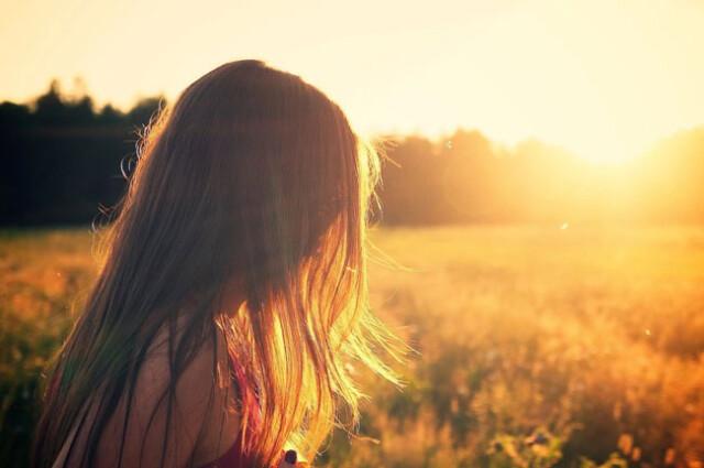 remédios naturais que protegem os cabelos do sol
