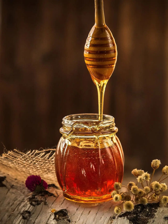 colher de mel no seu chá