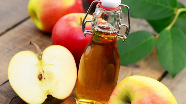 Vinagre de maçã faz maravilhas pelos cabelos e pele